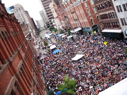 pearl_palooza_crowd_phantogram_2012-thumb-525x394-11885